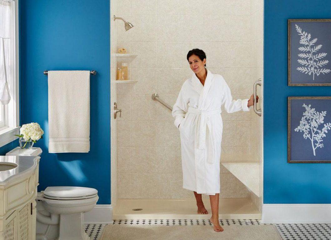 Badezimmer Haltegriffe Konnen Ihr Leben Retten Und Auch Gut Aussehen Aussehen Badezimmer In 2020 Badezimmer Baden Toiletten