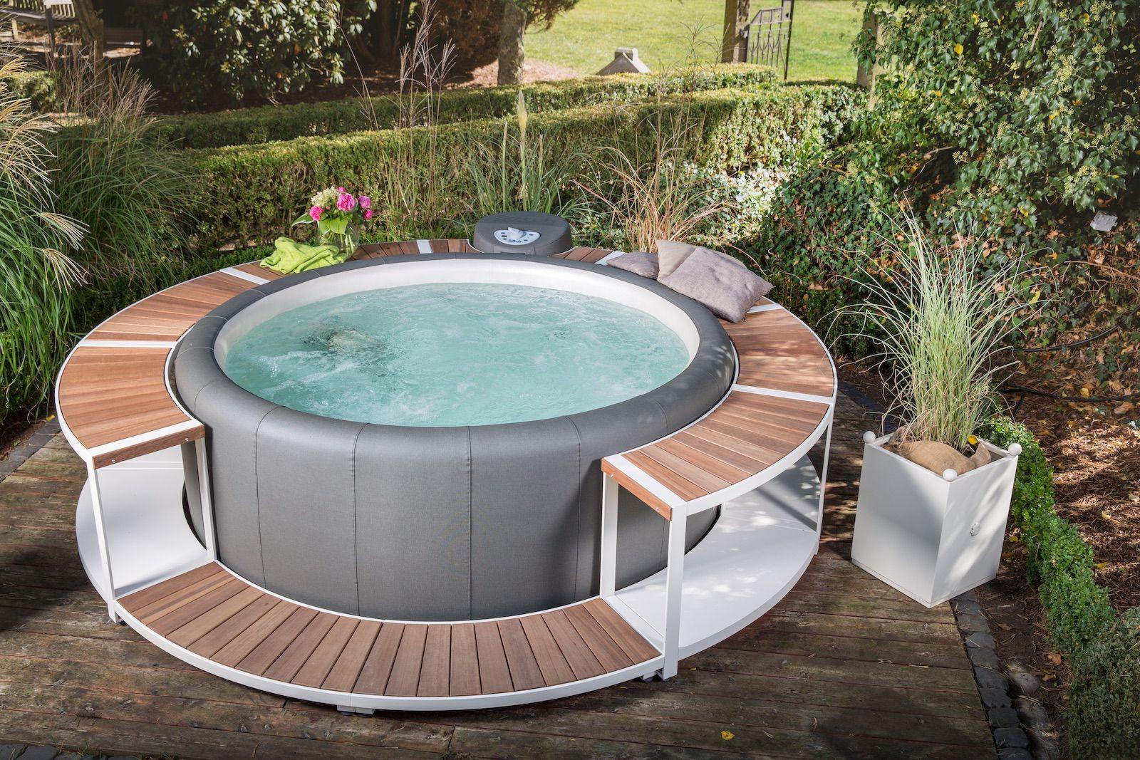 Der Allrounder Softub Whirlpool Drinnen im Hobbykeller