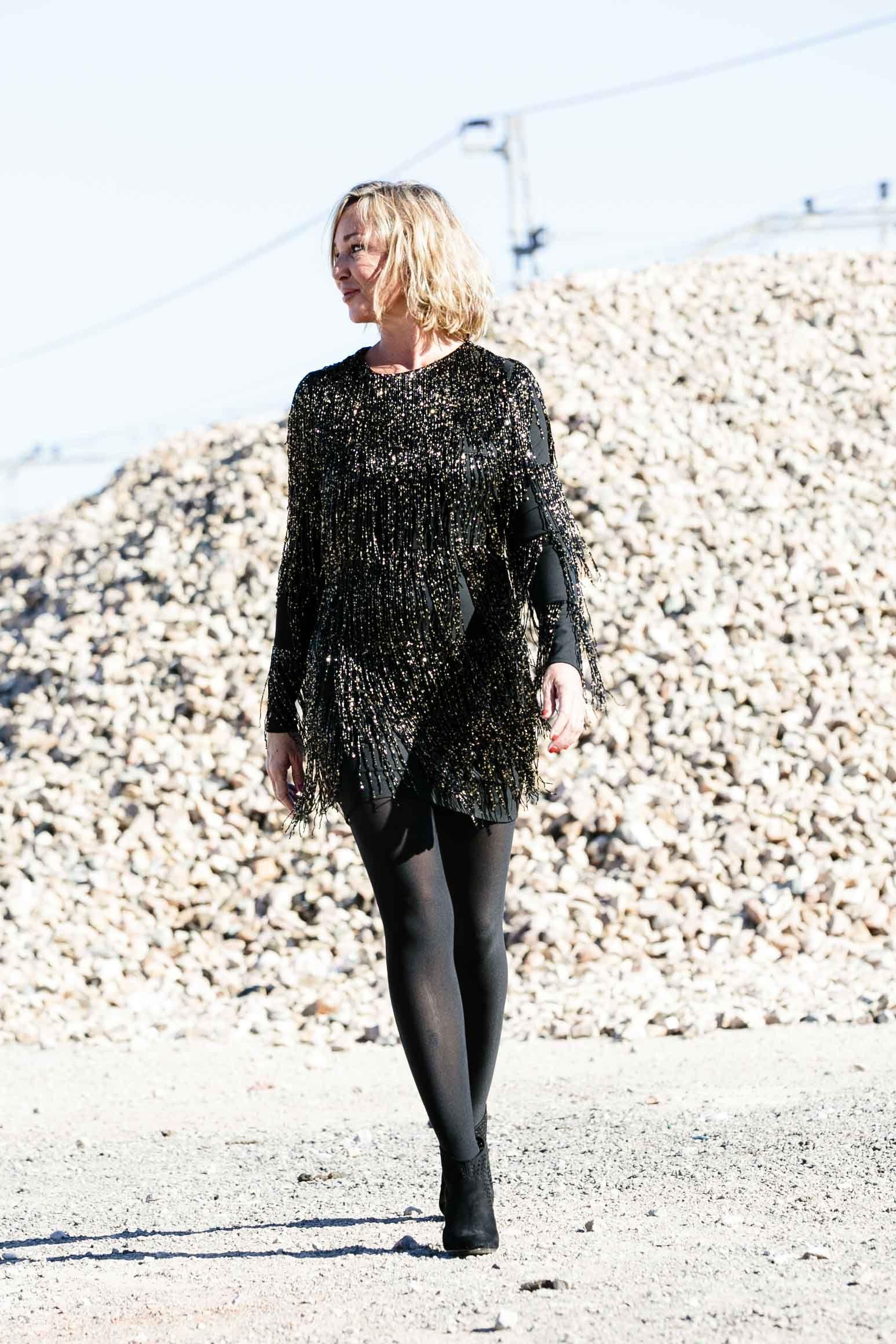Vestido en oro y negro para Nochevieja de Tete y Odette para La Quinta con Austria #moda #looks #navidad #blogger
