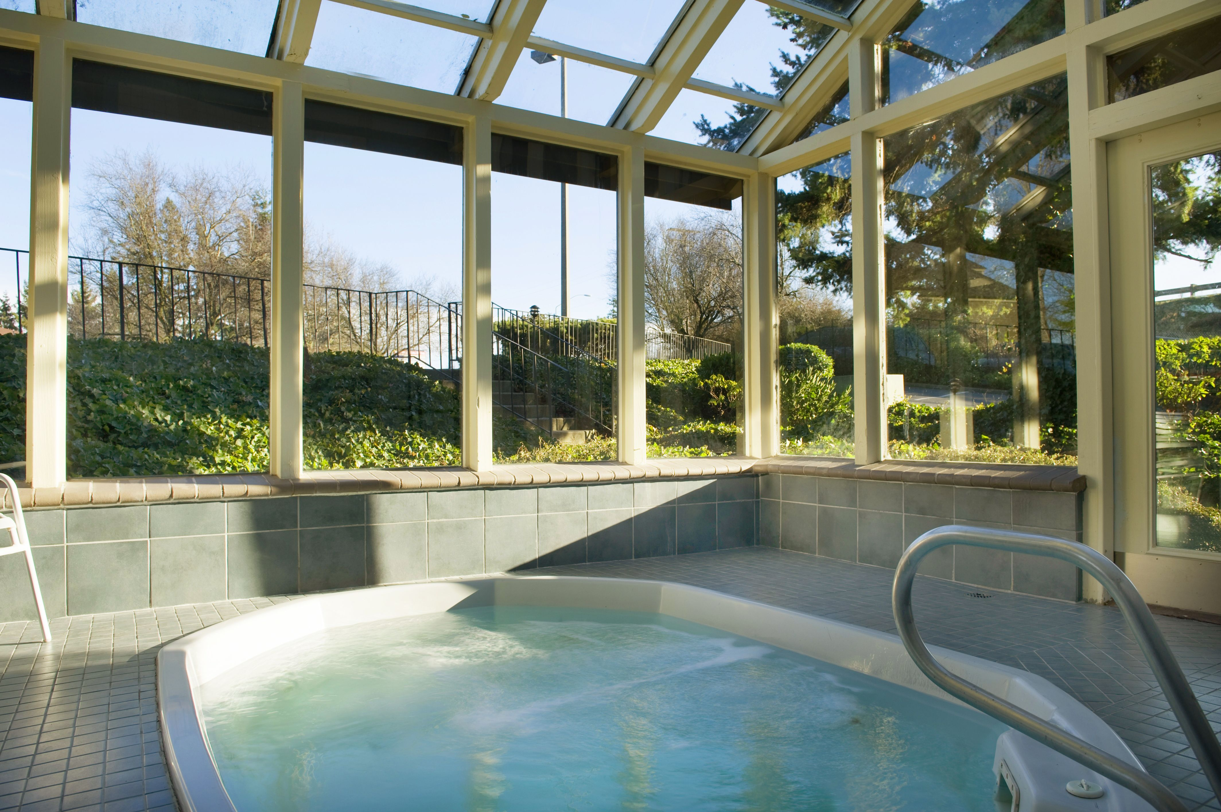 vista hot breckenridge tub rentals bella enclosed house covered print ave lincoln gallery main
