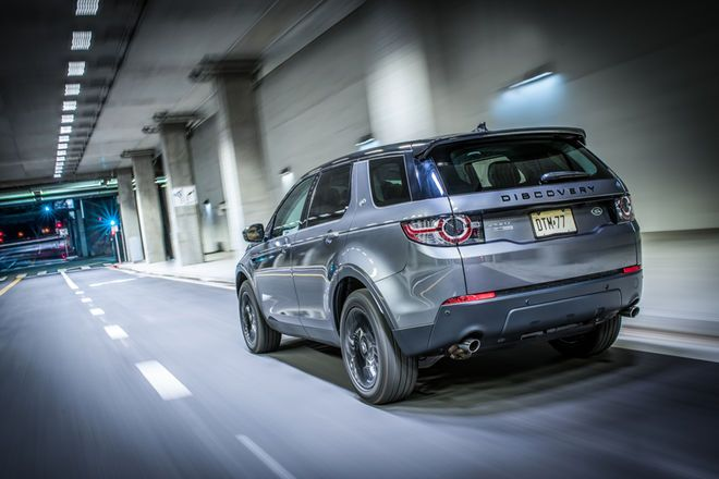 2016 Land Rover Discovery Sport Hse Wrap Up Suave Sporty Compromised Land Rover Discovery Sport Land Rover Discovery Discovery Sport Hse