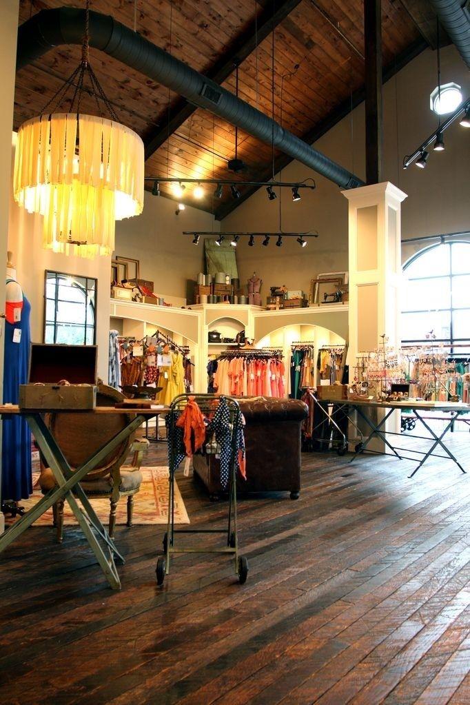 Einzelhandelsgeschäft, Das Mit Aufgearbeiteten Bodenbelägen, Balken, ...  #aufgearbeiteten #balken #bodenbelagen #einzelhandelsgeschaft