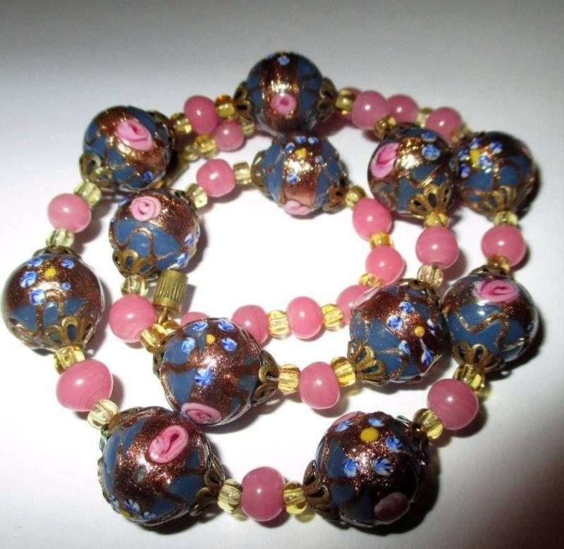Art Deco Murano Glass wedding cake Bead rose necklace. Venetian Italian 30s VGC