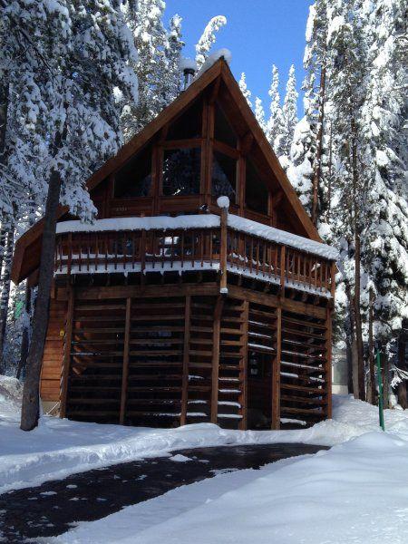 Vacation Rentals In Soda Springs And Serene Lakes Cabin Rentals Near Sugar Bowl Condos At Donner Ski Ranch Donne Lake Cabins Cabin Rentals Mountain Lodge