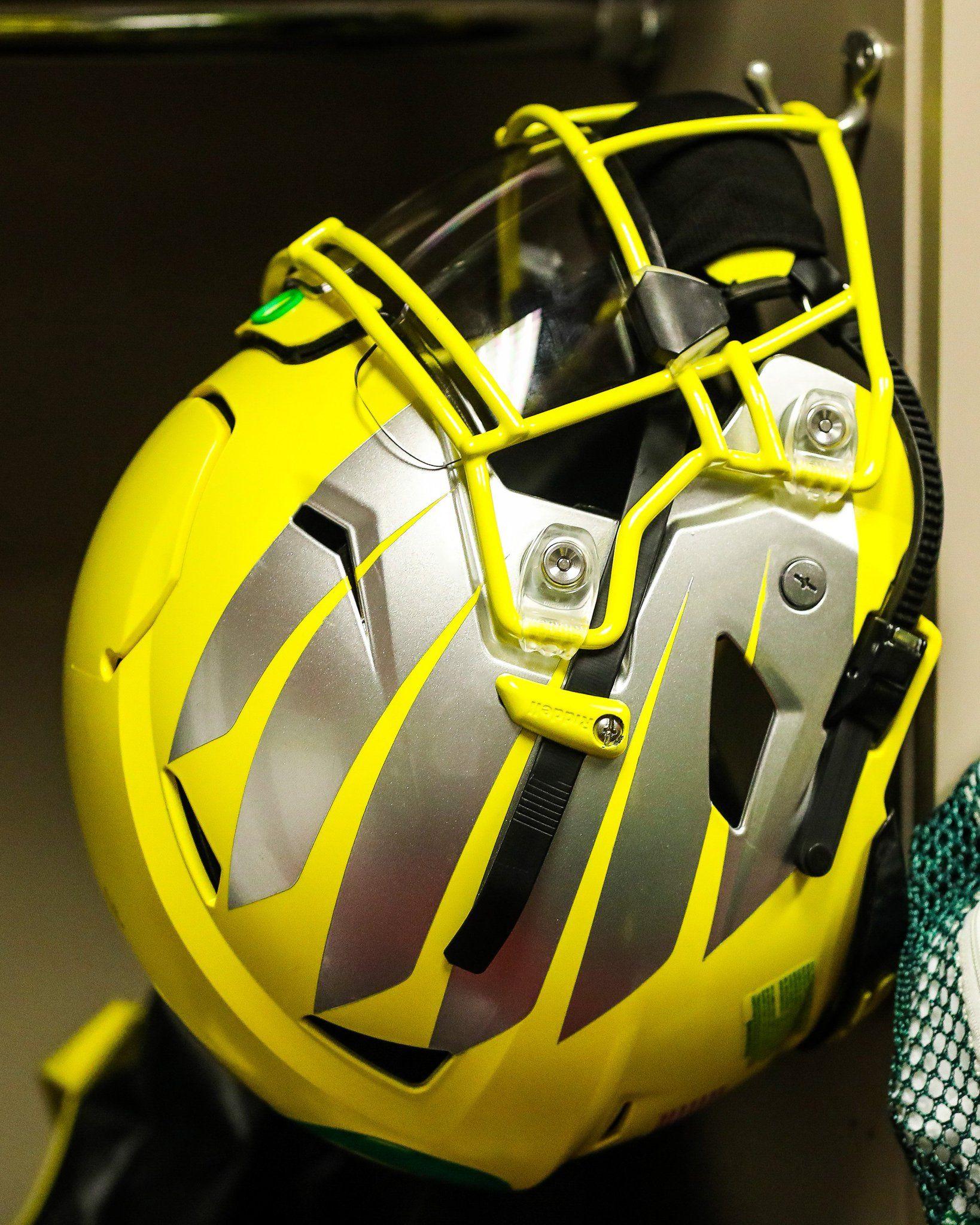 2019 ducks yellow winged helmet en 2020