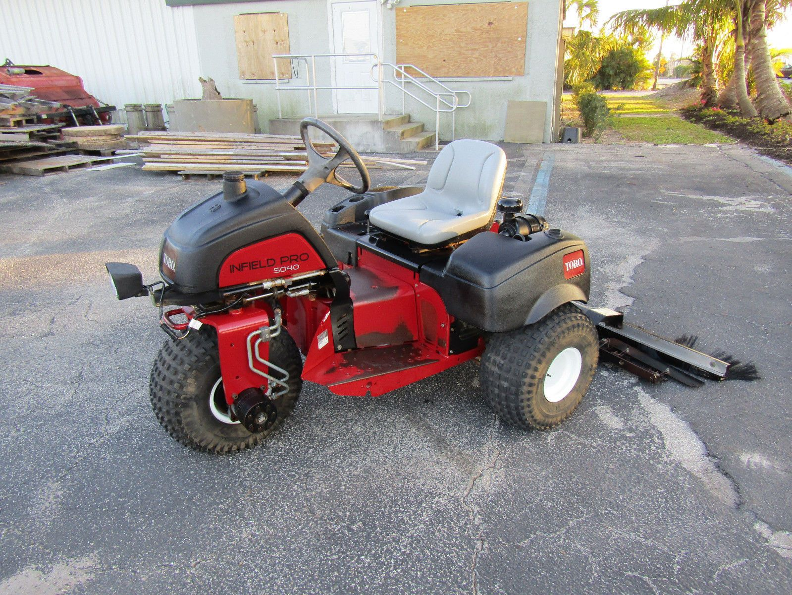 Toro 5040 Sand Pro Sand Trap Rake Groomer With Qas System Rear 08705 Outdoor Gardens Sand Traps Outdoor
