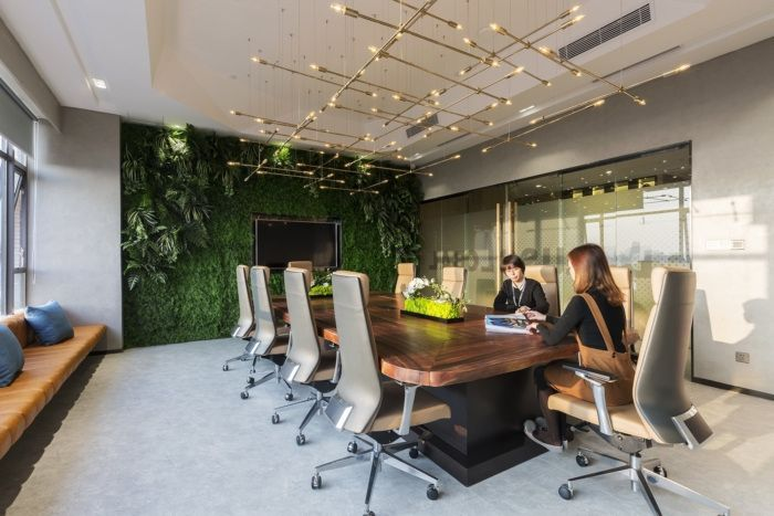 Feel amazed by discovering the best office decor design here! www