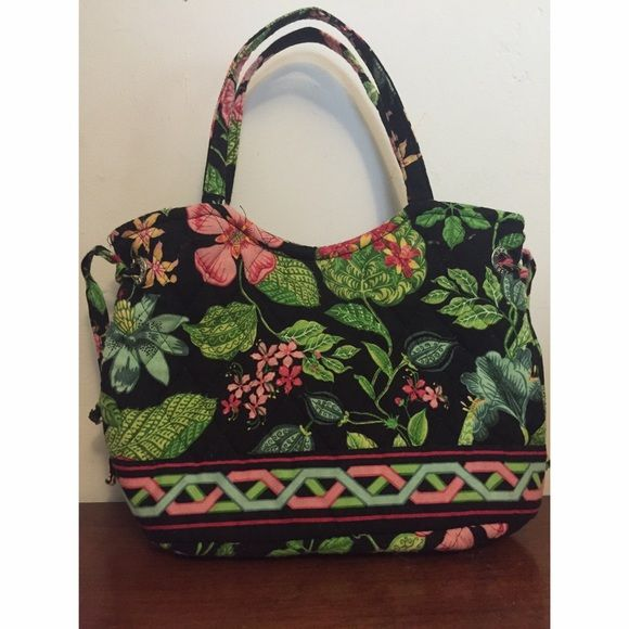 Vera Bradley Sherry Bag in Botanica! 🌴🌷 Vera Bradley Sherry Bag in Botancia Pattern! This is a petite bag but has a big inside. There are strings through metal rings on the side to change the opening of the bag, photo of the inside is taken with them untied. Has a snap to close and two slip in pockets on the inside. In very good condition and I will include the coin purse featured in the photos in pattern Night Owl that is like a mini backpack! Vera Bradley Bags