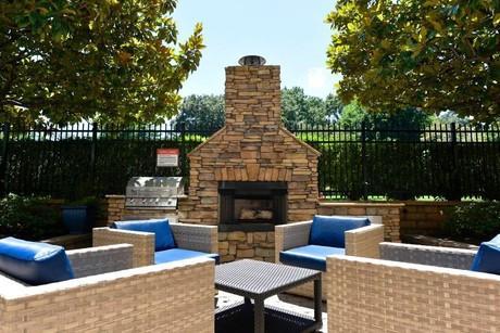 Pet Friendly Apartments Houses For Rent In Bearden Village Knoxville Tn On Doorsteps Com Pet Friendly Apartments Renting A House Pet Friendly