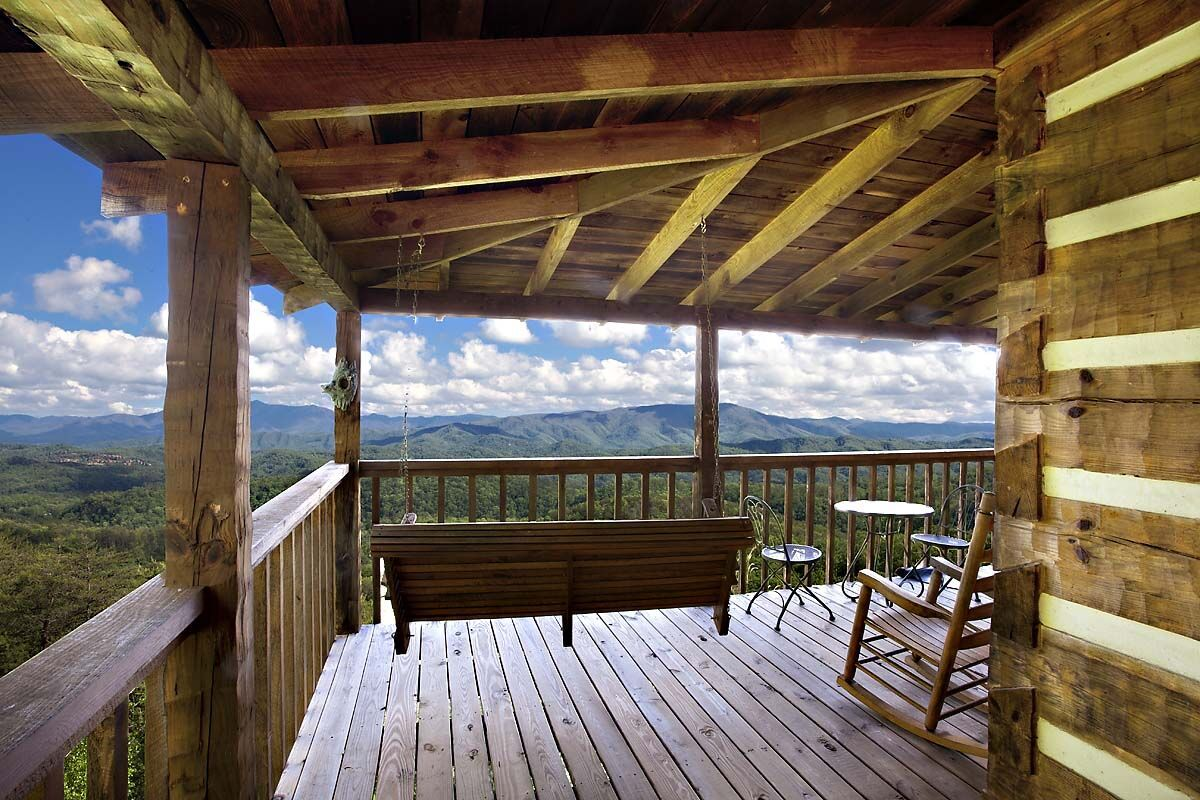 Find Cabins With Amazing Mountain Views In The Smoky Mountains In 2020 Gatlinburg Cabins Cabin Rentals Cabins In The Smokies