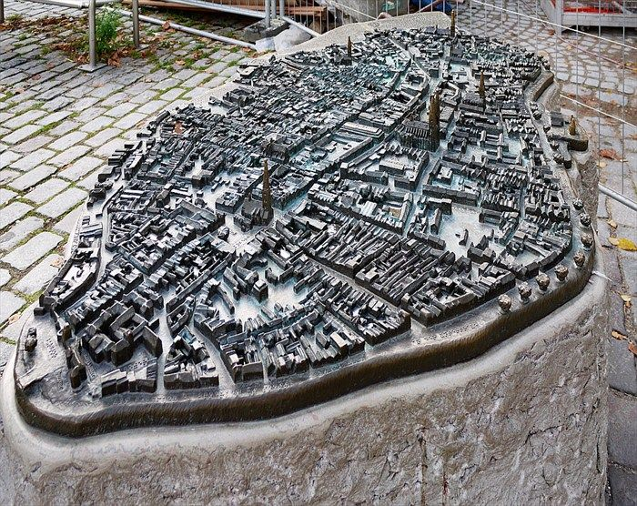 Lubecker Altstadt Lubeck Germany Image City Model Signage Design Wayfinding Signage