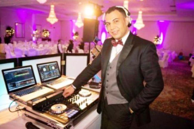 Why Its Not Advisable To Dj Your Own Wedding Howtodjaweddingreception Howtodjyourownwedding Whyit Snotadv Wedding Venues Toronto Wedding Dj Setup Wedding Dj