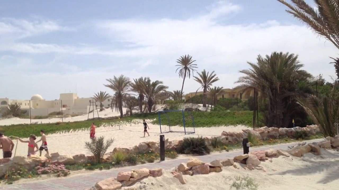 beachvolleyball und beachfußballplatz magic life