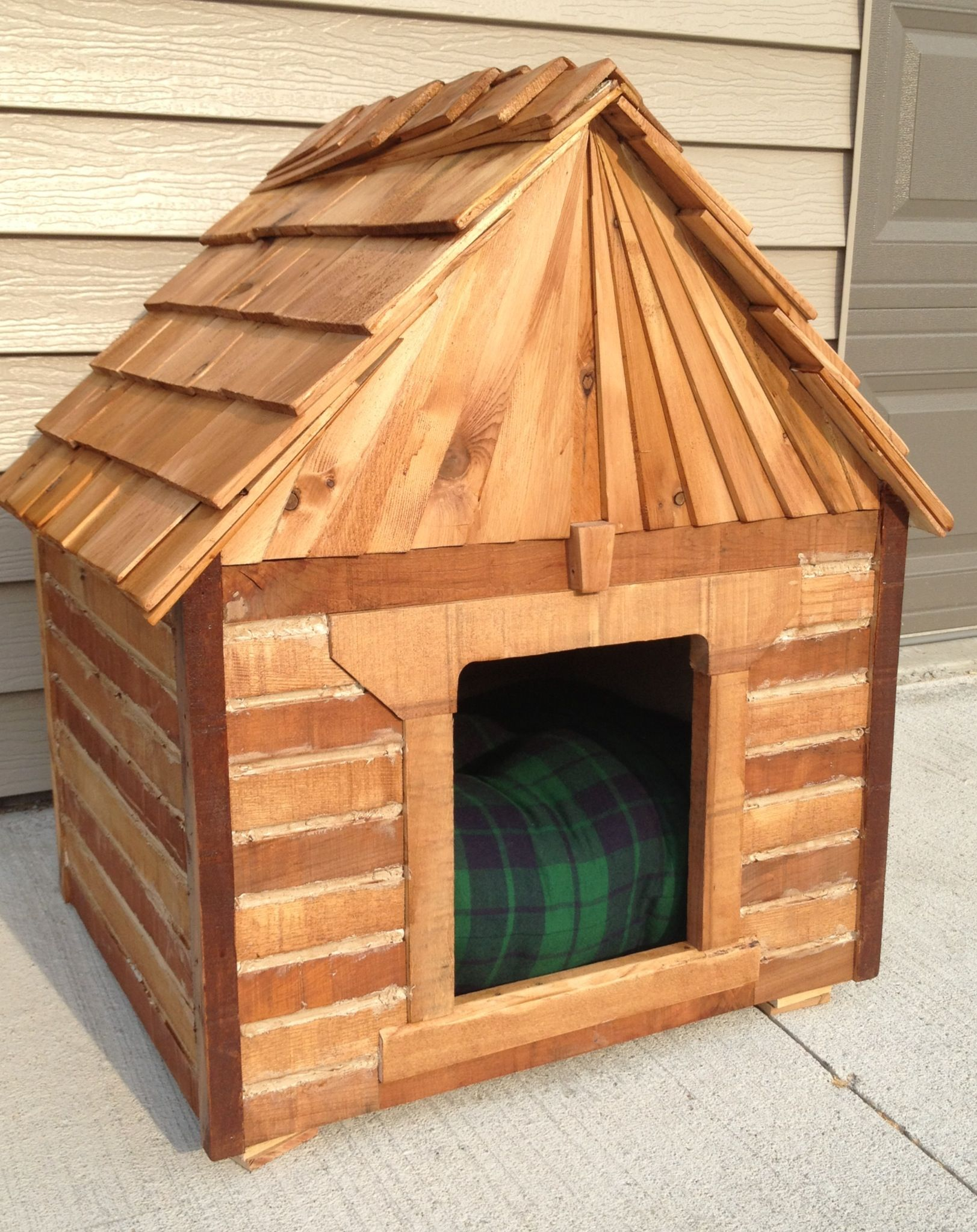 Dog House Cabin Made From Recycled Oak Pallet Boards Left Over