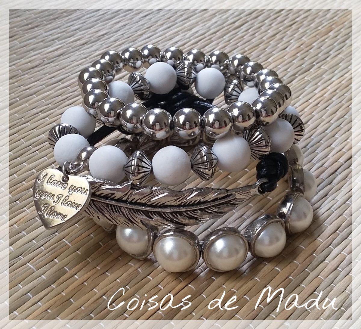 3f7297281e8 Conjunto de quatro pulseiras em prata velha. Lindíssimas ...