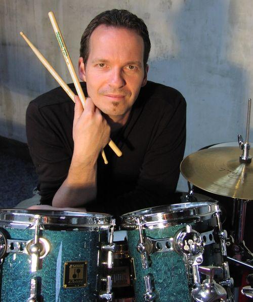 drumclinics.nl - Mark Eshuis de drummer uit Nederland
