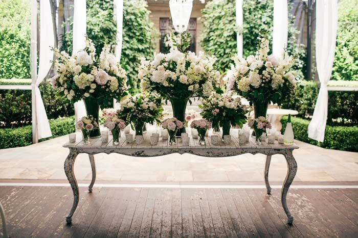 Flowers Upon Featured In An Elegant Country Wedding On Http Www Modernwedding Au Photographed By Istyle