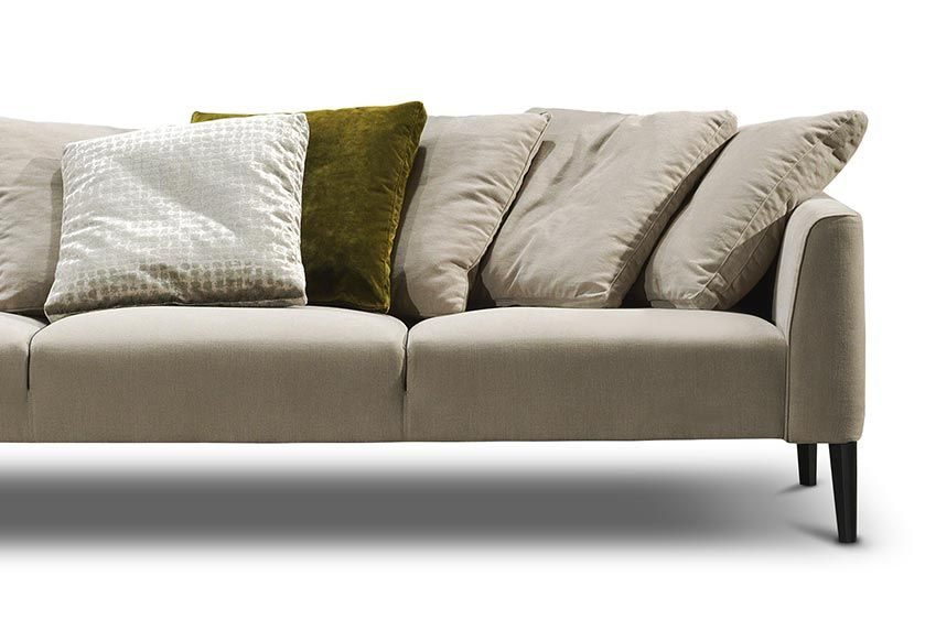 The Sonata Sofa Has Been Crafted With Beautiful Rolled Arms And - Sofa king furniture