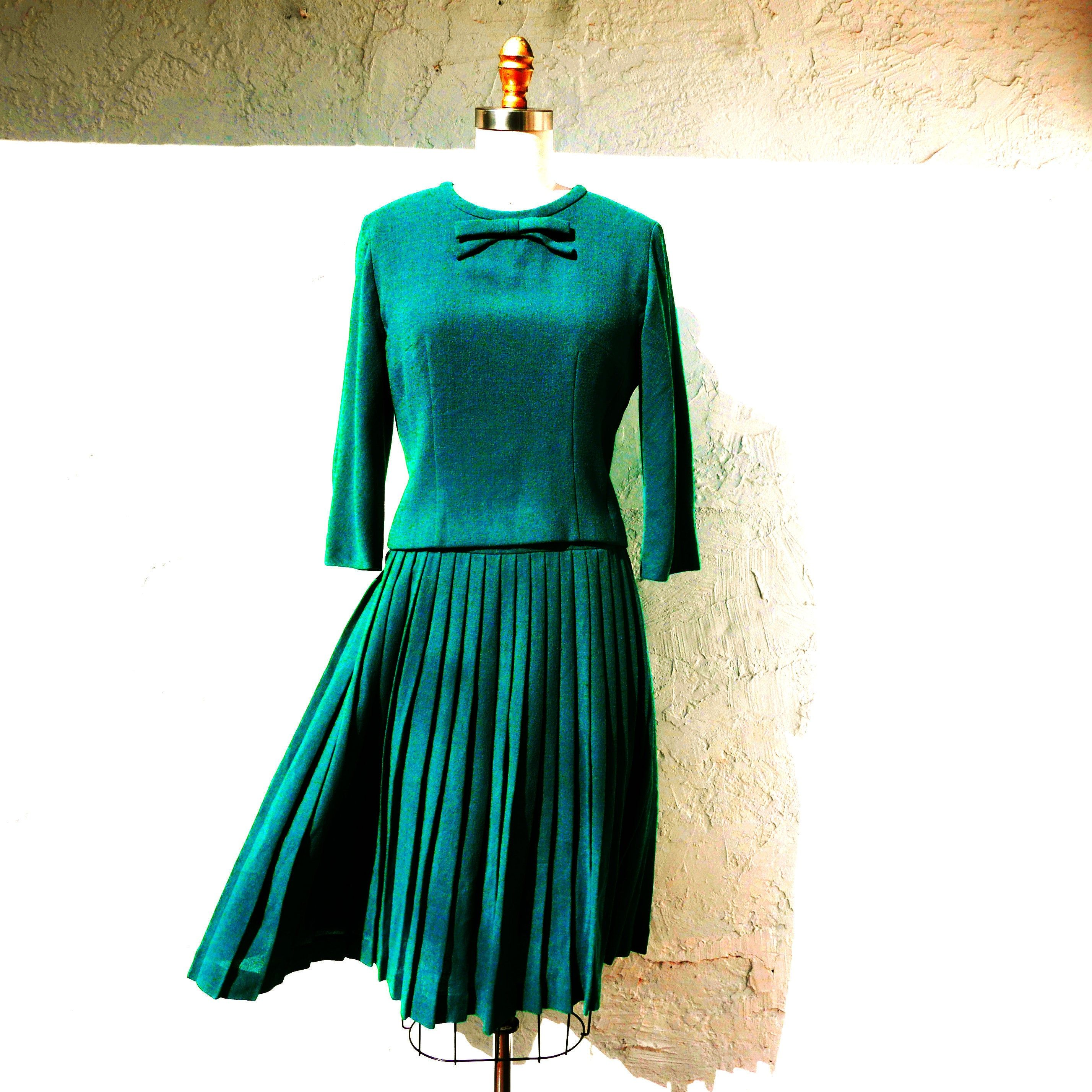 Lovely Vintage 50s 60s Turquoise Pleated Two-Piece Skirt Jacket Set in a Cotton Blend