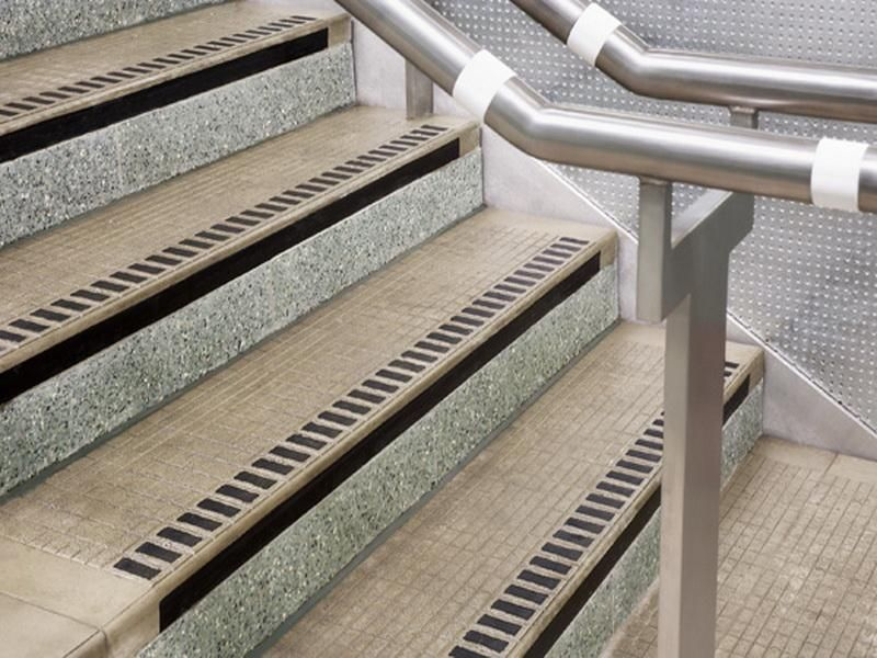 Best Cast Metal Stair Treads Nosings Pedestrian Surfaces 400 x 300
