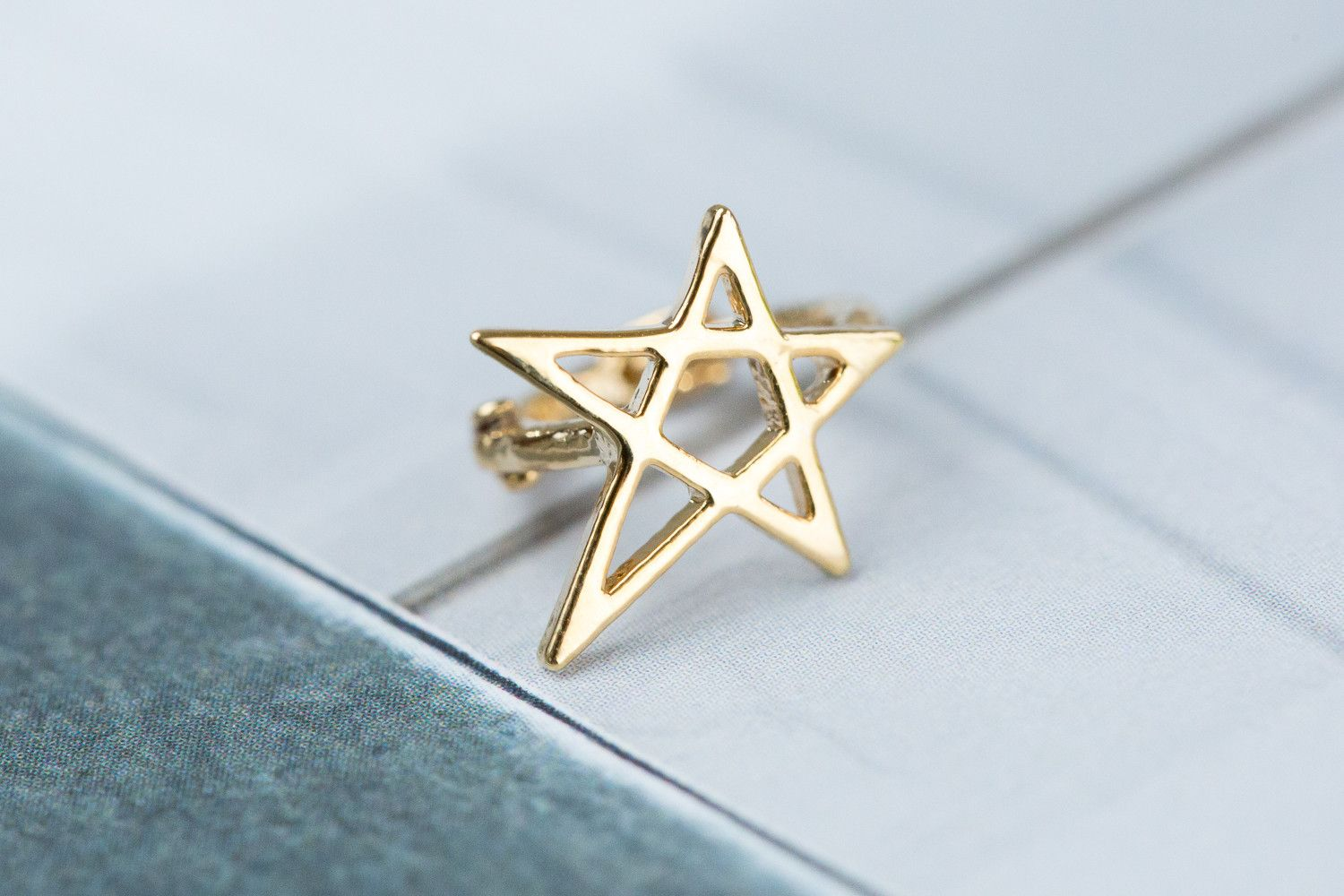 1pointed star  ring Piercing