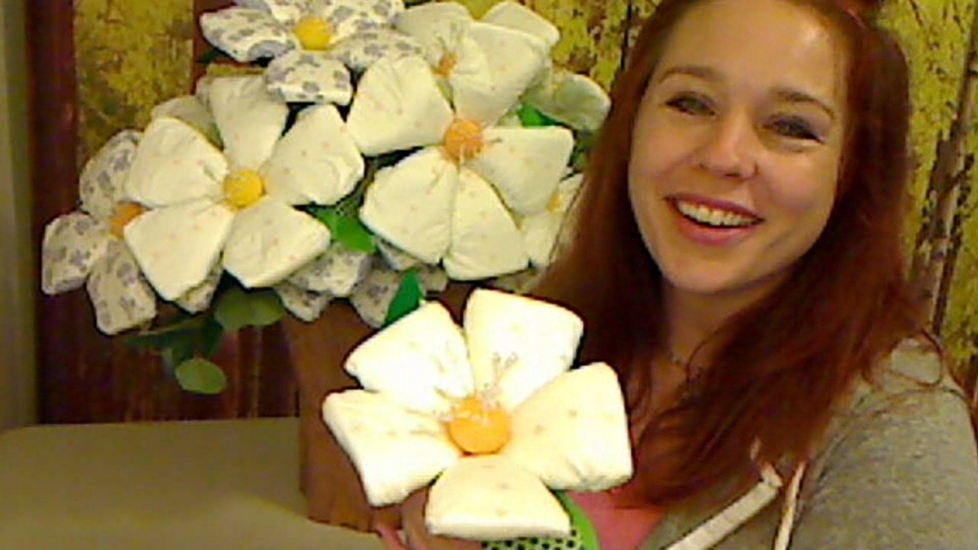 How To Make Diaper Flowers | Gifts | Pinterest | Diapers ...