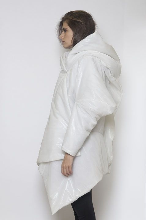 Sculptural Fashion - white oversized coat with soft volume for an exaggerated silhouette // Pirosmani