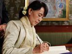 Suu Kyi finally accepts Nobel Prize, 21 years late - Times LIVE
