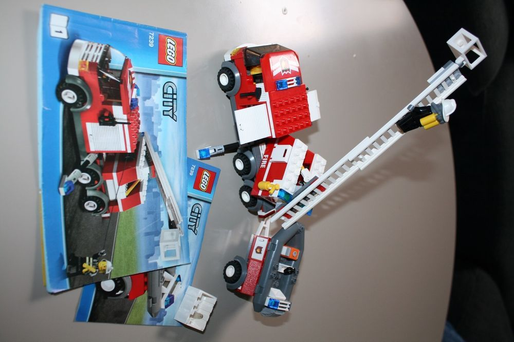 Lego 7239 Town City Fire Truck With Rescue Boat 2 Minifigures