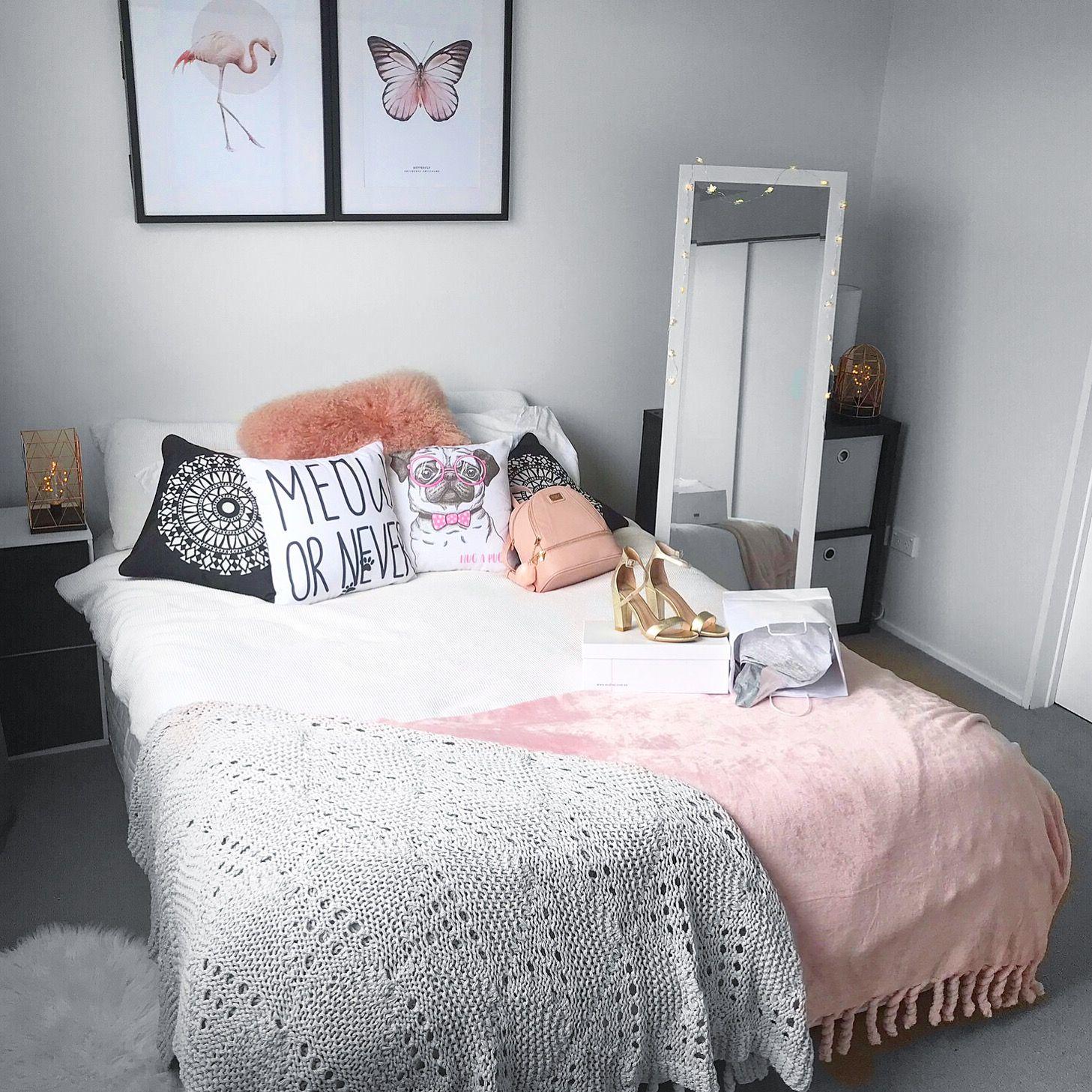 Female bedroom pink and white   Habitacion