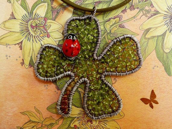 """(2 ½"""" x 2 ½"""")Have luck on my side - sterling silver and peridot gemstone clover pendant"""