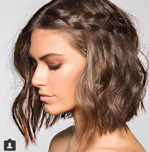 Cool Girl Hairstyle Crimped With Thick Braid Across Short Hair Styles Hair Styles Hair