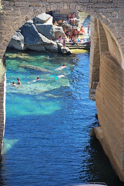 Let s be candid world road trip italie italie pouilles - Bagno marino archi santa cesarea ...