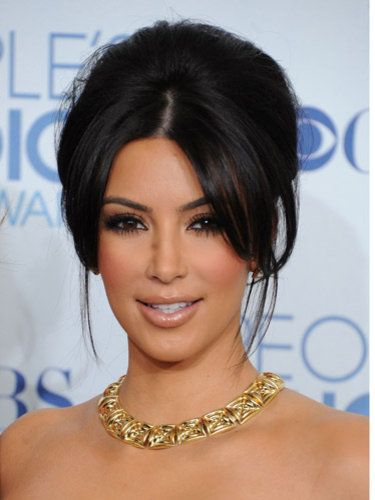 I like this updo, don't know what the back looks like. #kimkardashianstyle