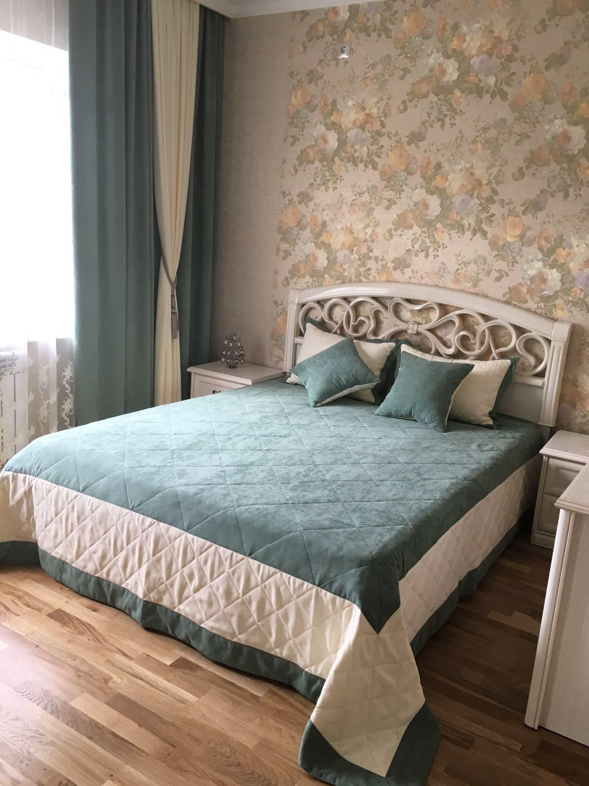 Bedroom ideas window behind bed  Одноклассники  Покрывала  pinterest  bedrooms furniture ideas