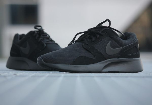 new products 9ca93 29211 EXCESIVE SHOES — Nike Kaishi Run Triple Black