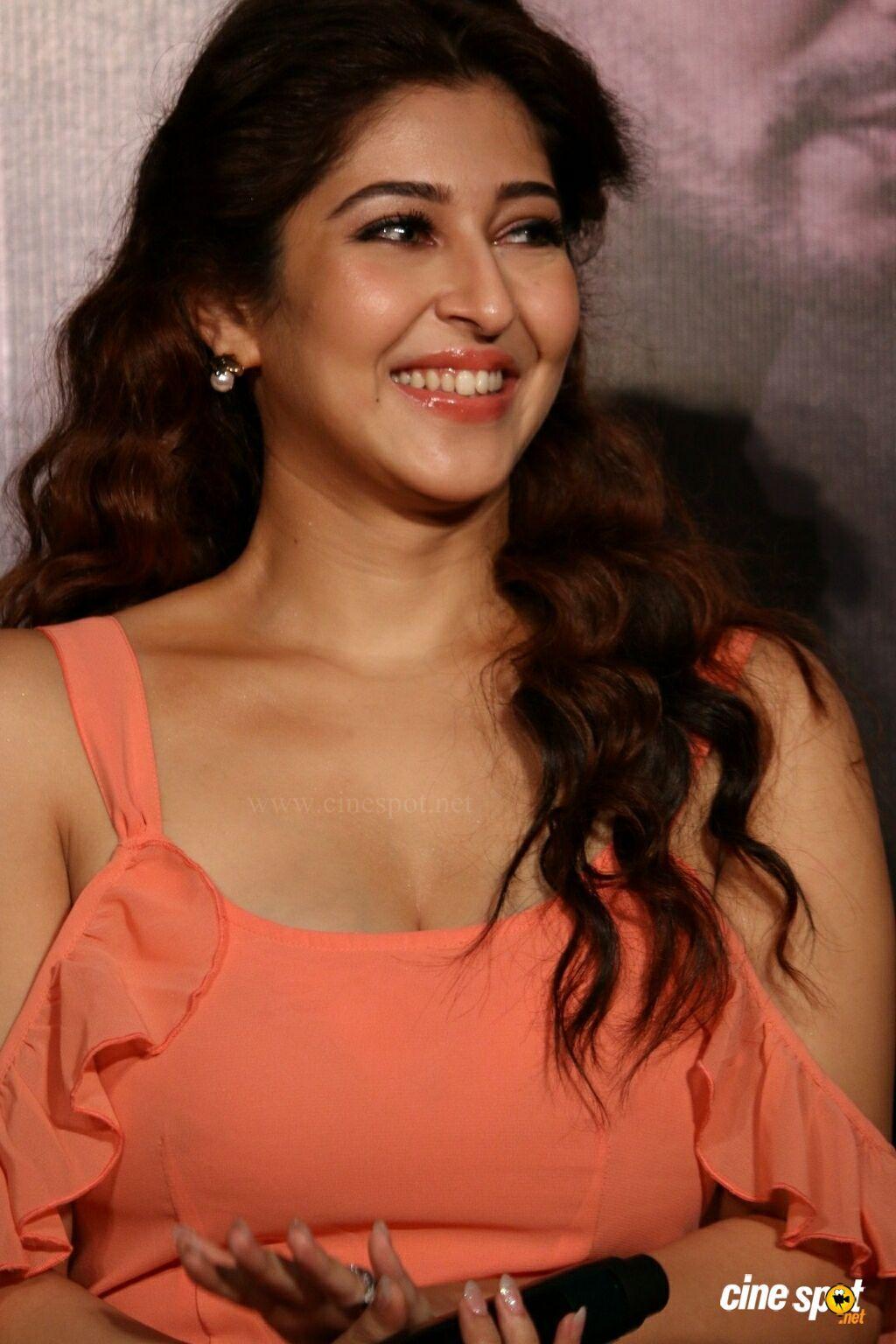 Watch Sonarika Bhadoria 2011 video