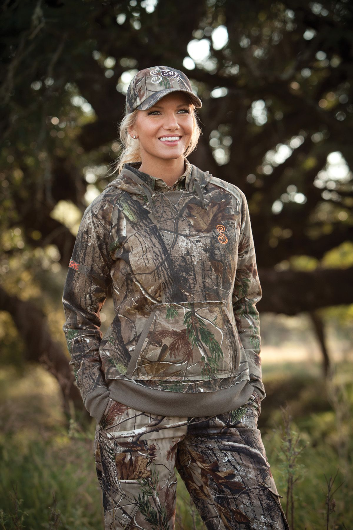 dfa0e93d06  SHE Outdoor Apparel Vintage in Realtree AP Camo Hoodie LOVE this brand!   realtreecamo  womenhunting