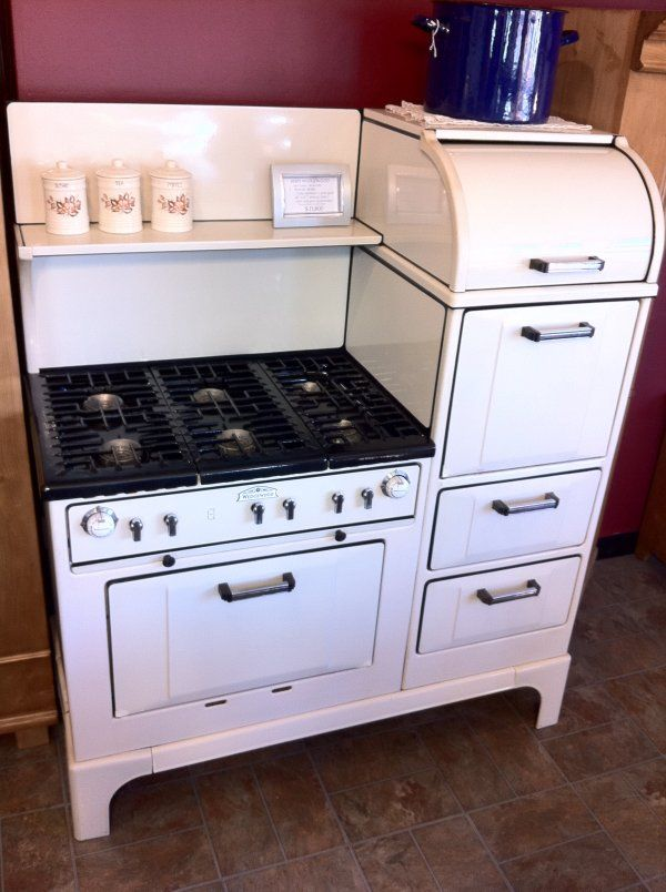1930s Wedgewood Range Six Burners Two Full Size Ovens