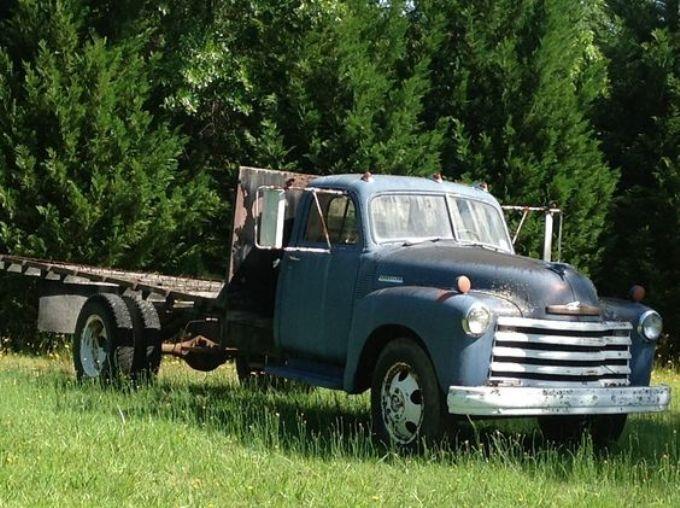 1951 Chevrolet 2 Ton Duz Kasa Kamyon In 2020 Chevrolet Trucks Chevy Trucks Old Trucks