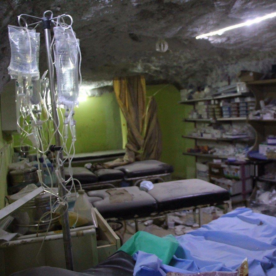 صور من داخل مشفى خان شيخون الذي تعرض لقصف جوي وكان المشفى يعالج مصابين من هجوم كيميائي على المدينة بحسب نشطاء سوريا ادلب خا Instagram Posts Instagram Decor