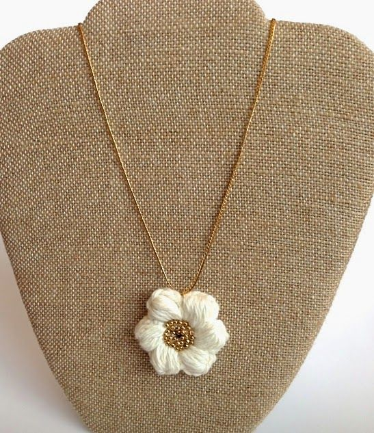 Handcrafted Vintage: Puff Stitch Flower Necklace | joyerìa ...