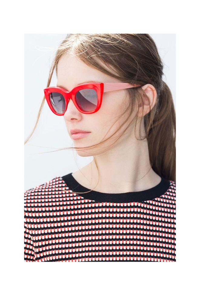 Gafas de pasta rojas