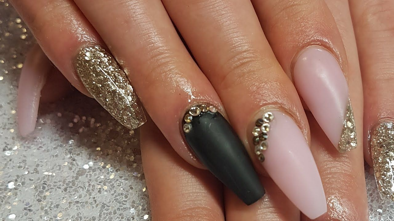 Black And Gold Acrylic Nails Designs