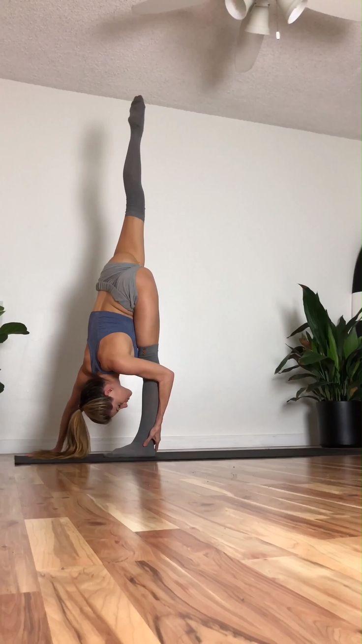 Split Yoga Flow @yoga_ky - Yoga & Fitness  Split Yoga Flow @yoga_ky, #ayoga #split  #Fitness #Flow #...