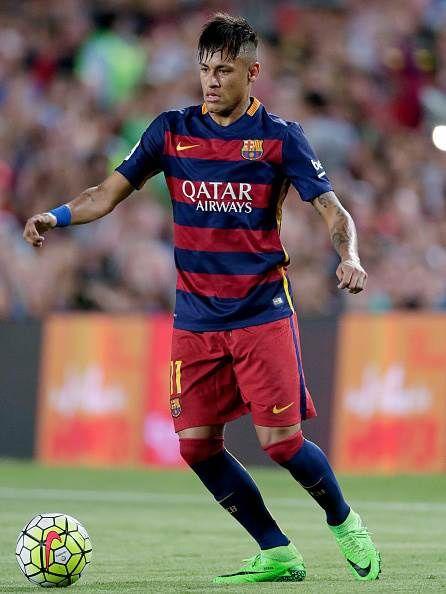 I Heard Manchester United Talk, Yes – Neymar - http://footballersfanpage.co.uk/i-heard-manchester-united-talk-yes-neymar/