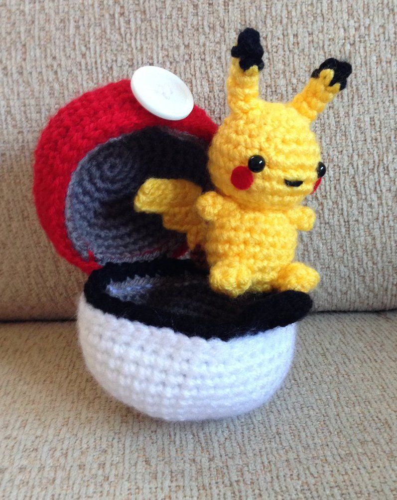 Pokeball and Pikachu by Brookette | Crochet | Pinterest | Tejido ...