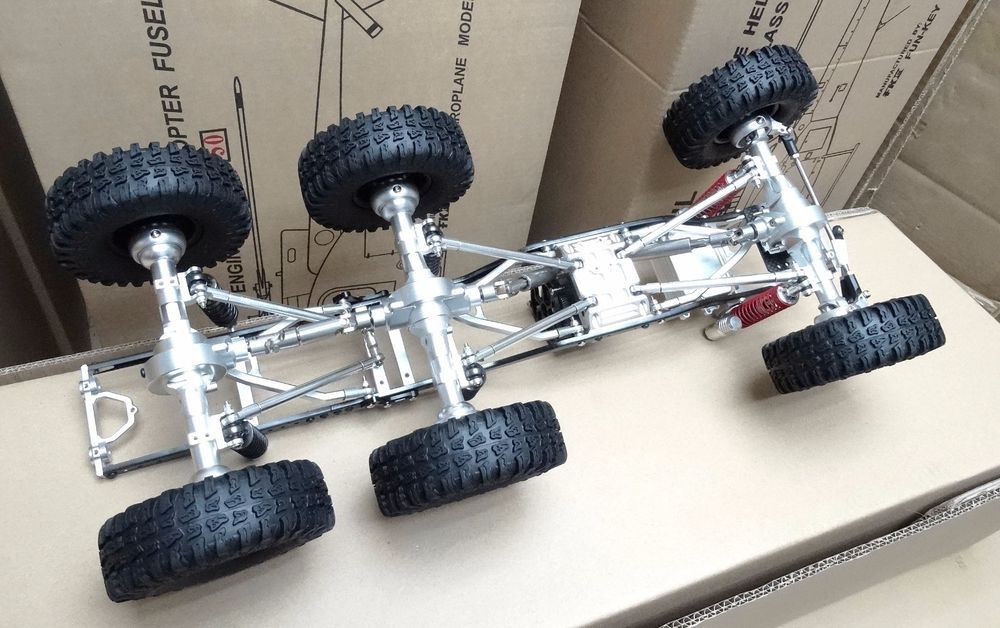 Scale Rocky Crawler Truck Chassis Locked Diff Gear Tire Tire Wheel Round Shell We Also Have Motor Esc Battery Radio System Rock Crawler Trucks Crawlers