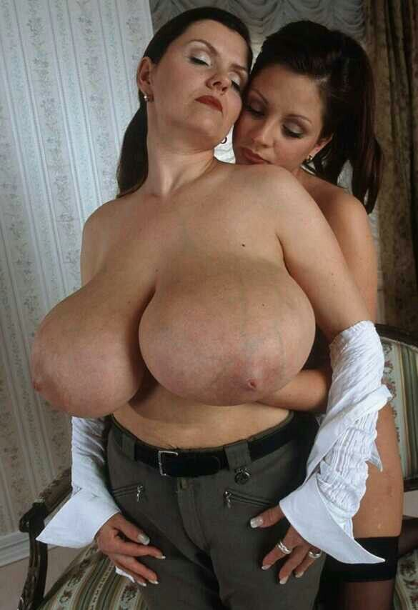Milf strokes cum into her mouth clip