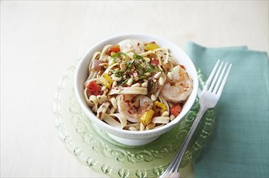 Pasta with Sautéed Shrimp & Veggies / #recipes